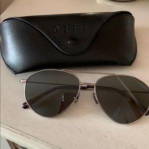 DIFF Scout Sunglasses